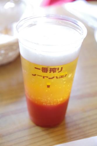 トマトジュースを一番搾りで割るツートン生