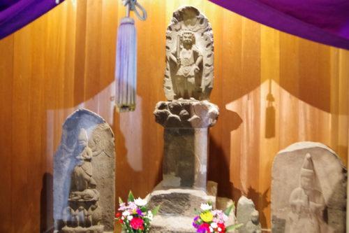 宮益御岳神社不動尊石像